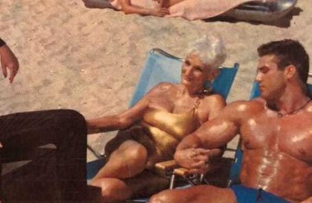 82-latka spotyka się z wieloma kochankami. Muszą spełniać jeden warunek