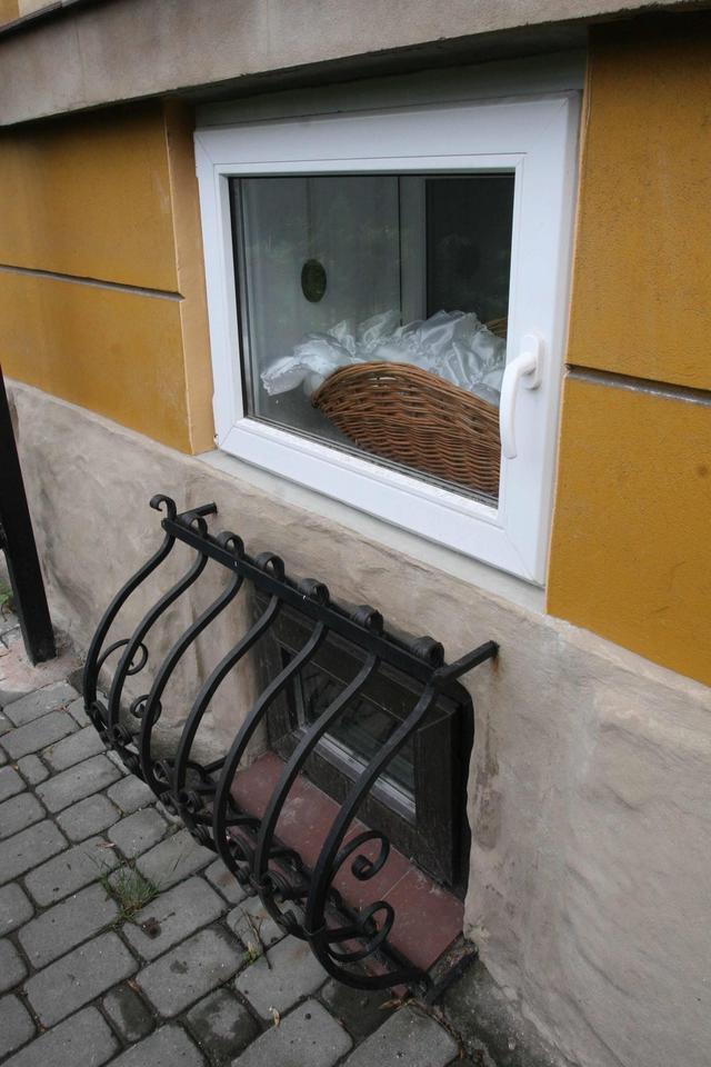 W oknie życia w Rzeszowie zadzwonił dzwonek. Siostra Dominika znalazła w koszyku niemowlę