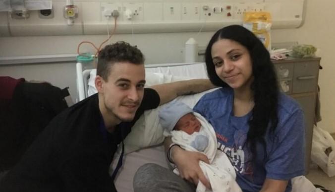 Przypadkiem odkryła ciążę i urodziła w domu