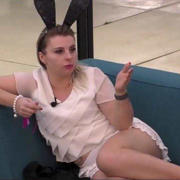 """Nowa uczestniczka """"Big Brothera"""" kąpie się bez bikini. Przed kamerami pokazała wszystko"""