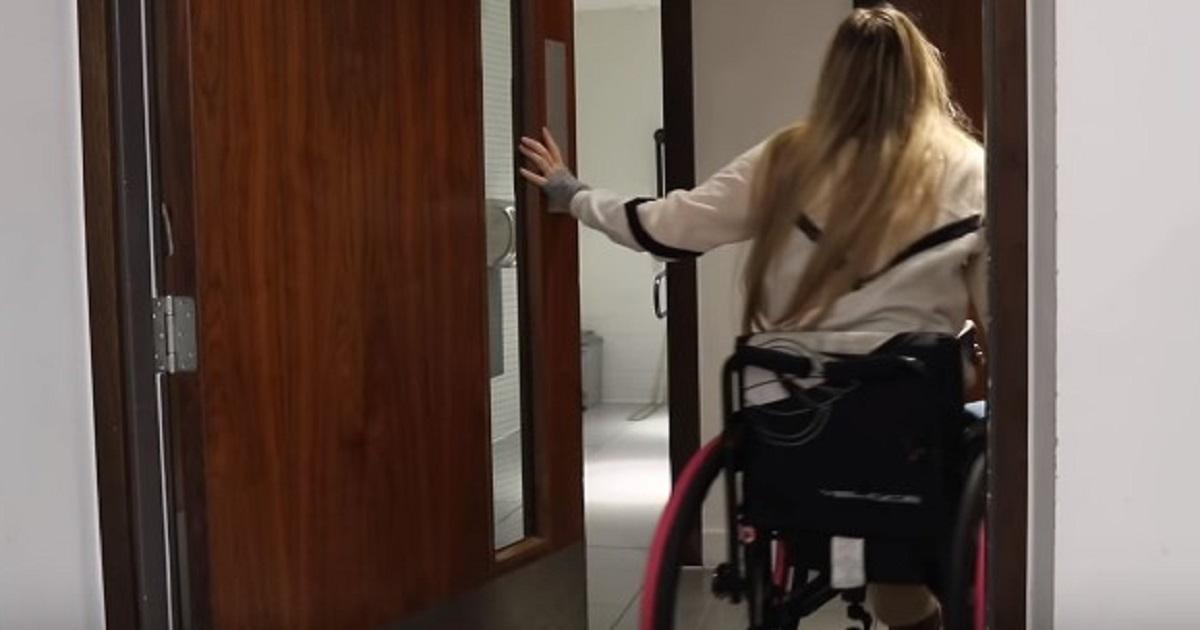 """Zwierzenia niepełnosprawnych z gabinetów. """"Ginekolog powiedział, że takich jak ja nie bada"""""""