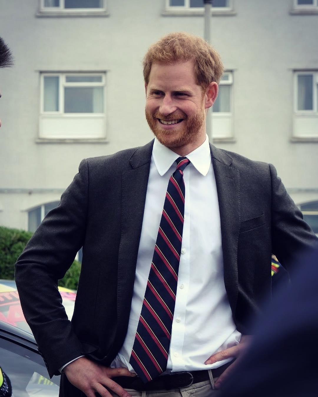 książę Harry - instagram, wiek, wzrost i gorące newsy!