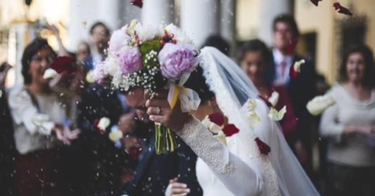 Elwira poszła na ślub byłego. Nie sądziła, że jego zaproszenie było tylko pretekstem