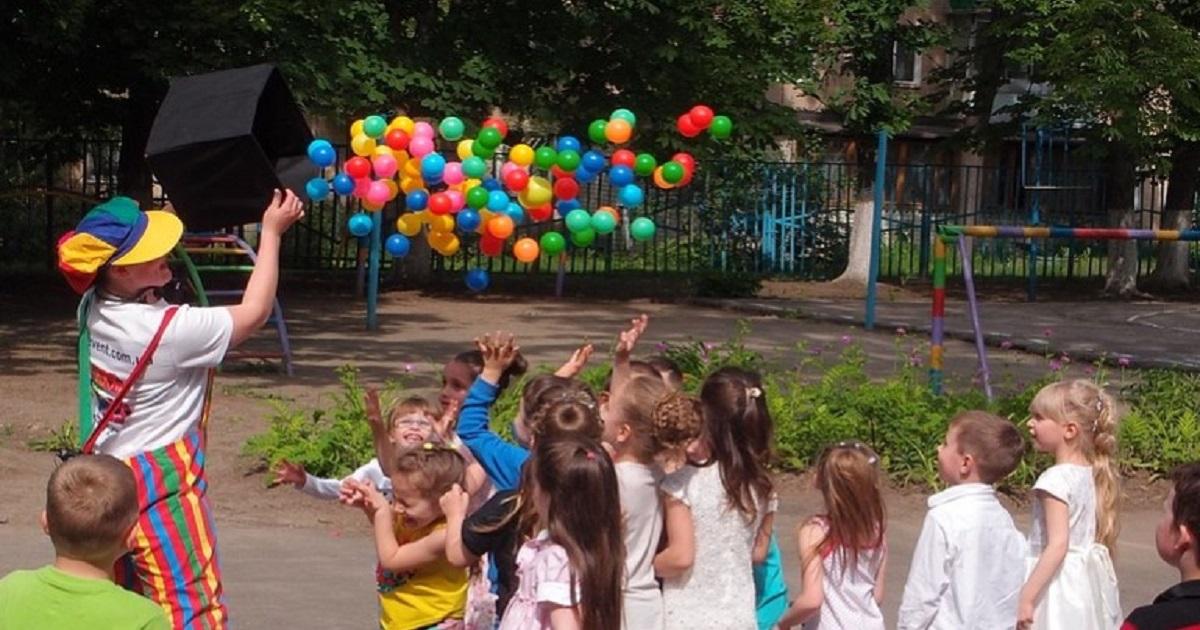 Przedszkolanki z Wrocławia znęcały się nad dziećmi. Kazały im zjadać własne wymiociny