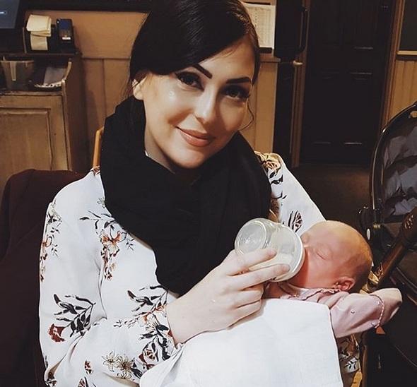 Cztery dni po porodzie wrzuciła do sieci zdjęcie. Internauci byli bezlitośni