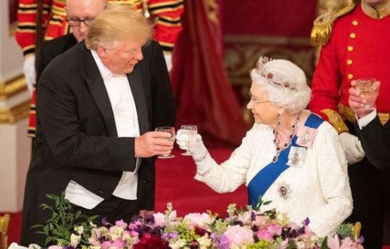 Trump przyleciał do Wielkiej Brytanii