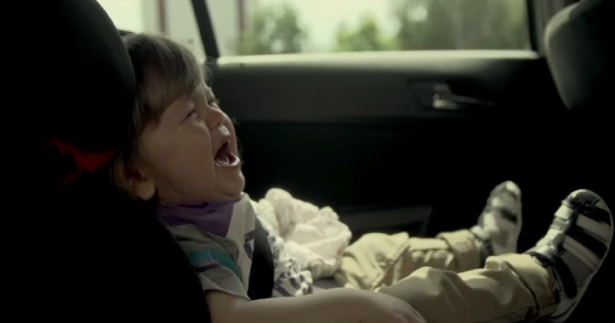 Dzieci w nagrzanym samochodzie