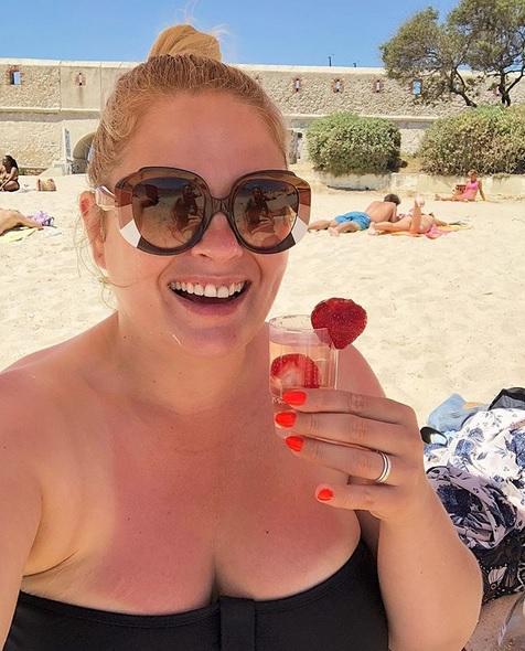 Ela Romanowska na plaży