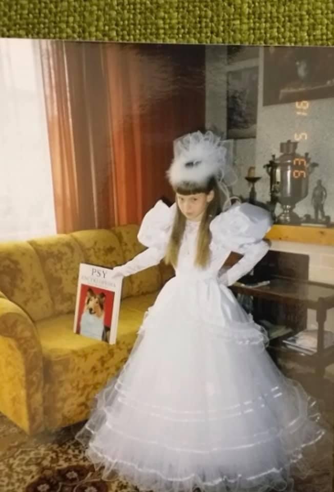 Doda w sukience komunijnej