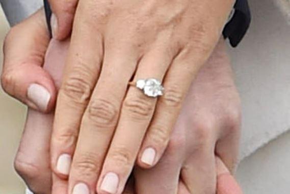 Meghan zmieniła pierścionek zaręczynow
