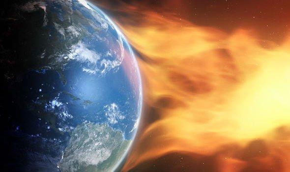 burza słoneczna uderzająca w Ziemię