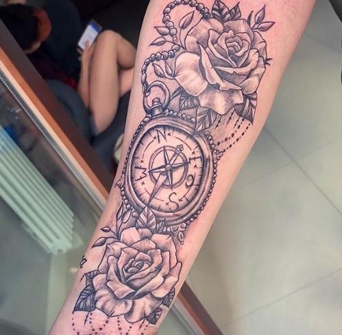 Esmeralda Godlewska ma tatuaż z błędem. Internauci od razu zwrócili na niego uwagę