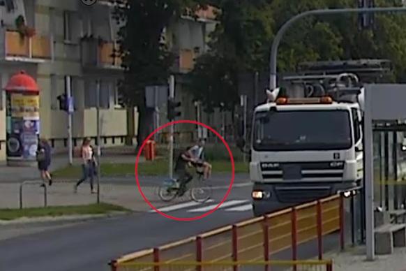 Rowerzysta potrącił staruszkę w Toruniu