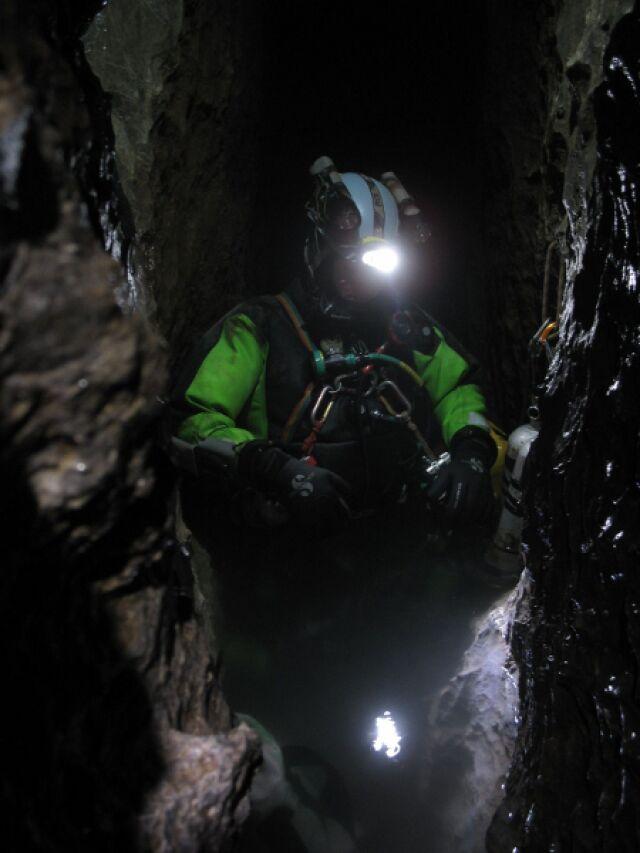 Dwóch grotołazów utknęło w tatrzańskiej jaskini