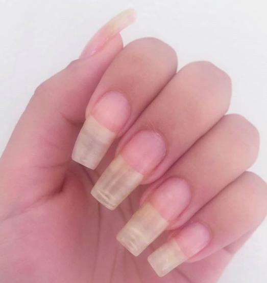 naturalnie długie paznokcie