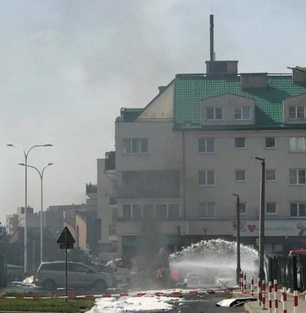 Wybuch auta w Warszawie