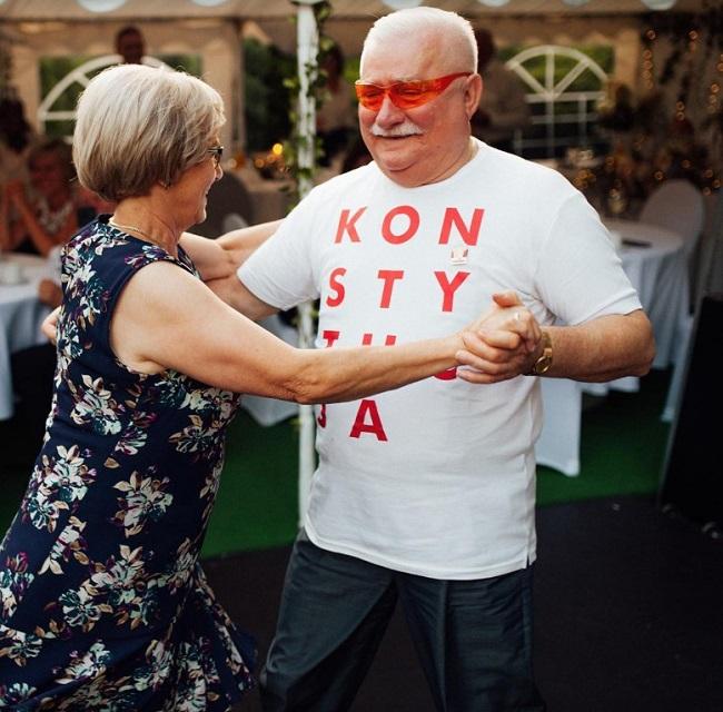 Jak bawił się Lech Wałęsa na weselu