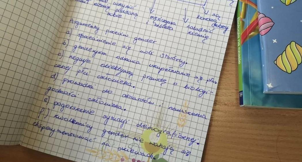 """Notatki z lekcji religii oburzyły internautów. """"Kiedyś katecheci nie uczyli takich bzdur"""""""