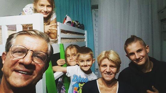 Zygmunt Chajzer wziął pod opiekę czwórkę dzieci