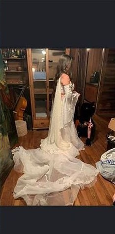 wulgarna suknia ślubna