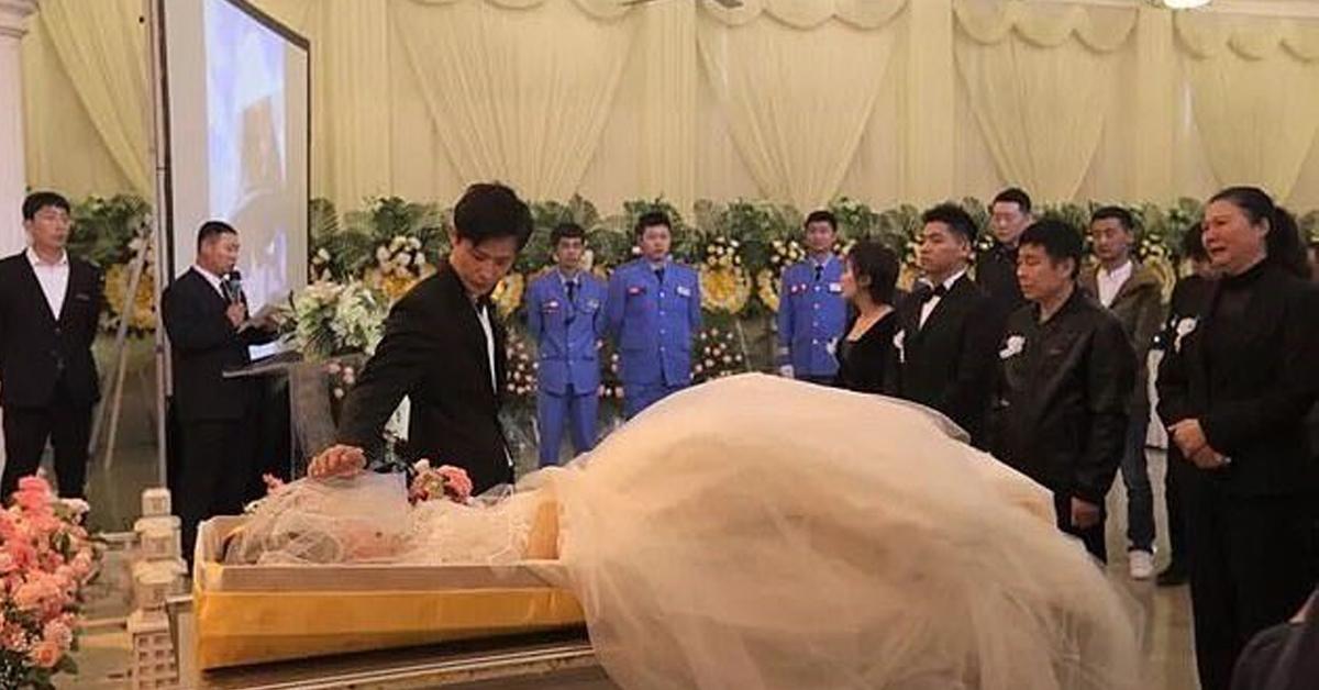 wziął ślub ze zwłokami