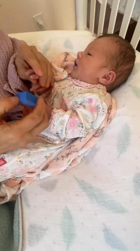 Córka Joanny Krupy ma pierwszy manicure