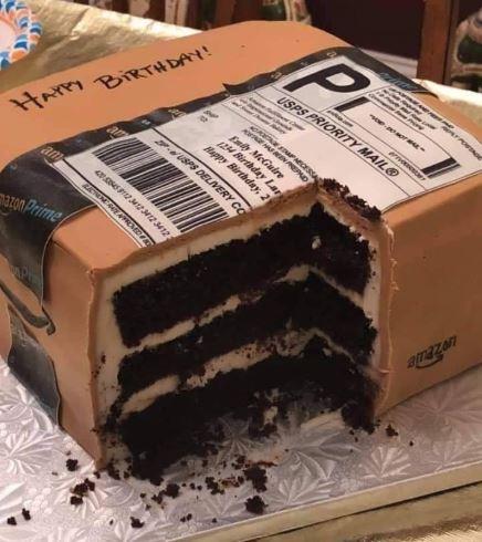 tort jako paczka z Amazona