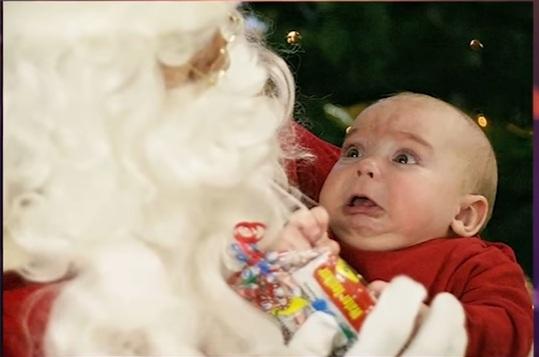Top 10 strasznych zdjęć ze św. Mikołajem