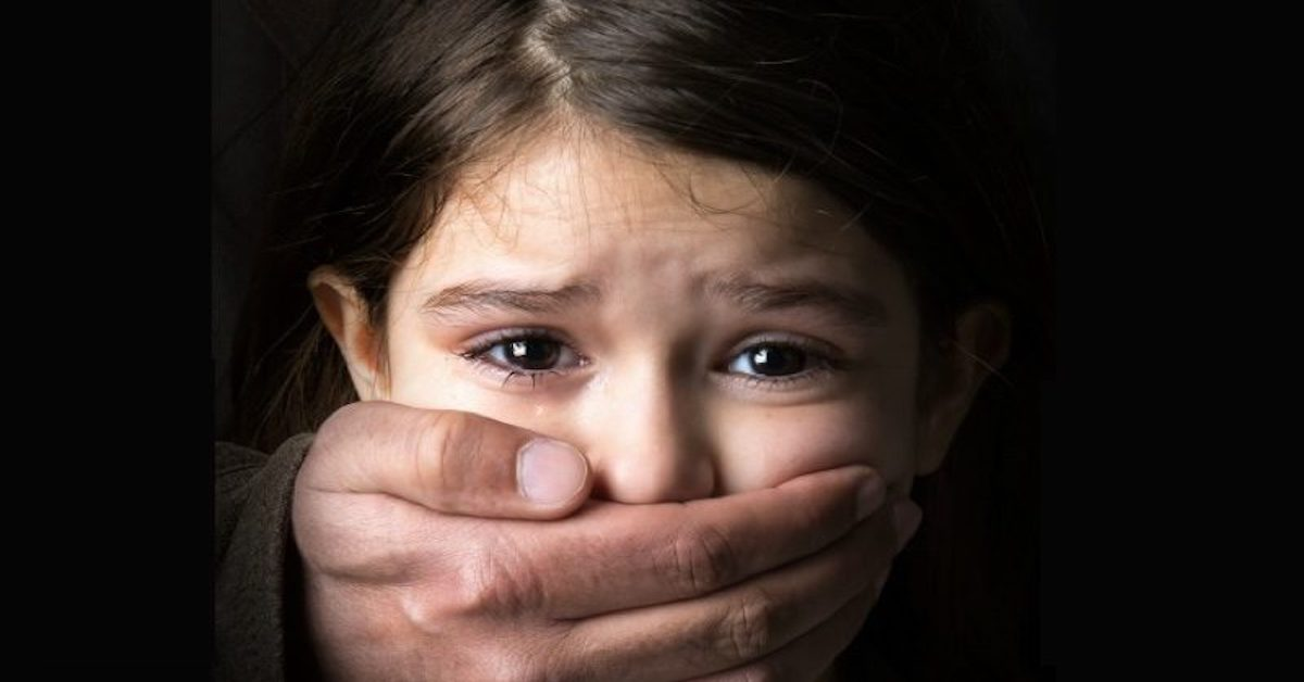 lekarz gwałcił przez internet