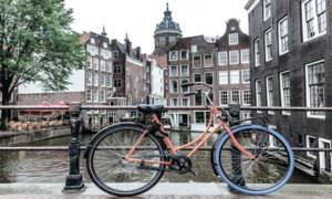 Holandia zmienia nazwę
