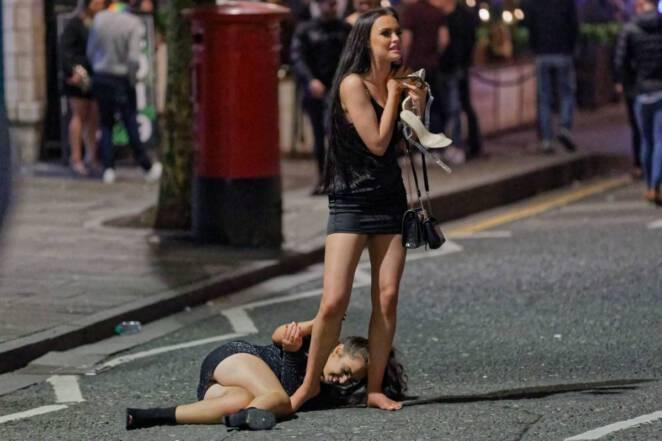 15 zdjęć ukazujących, jak trudne może być wkraczanie w Nowy Rok. Niektórych naprawdę poniosło!