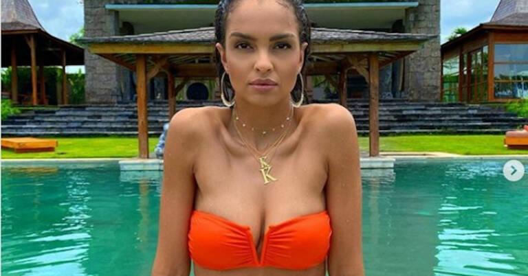 Klaudia El Dursi topless 3