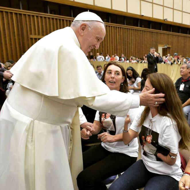 Papież Franciszek przeprasza za uderzenie kobiety