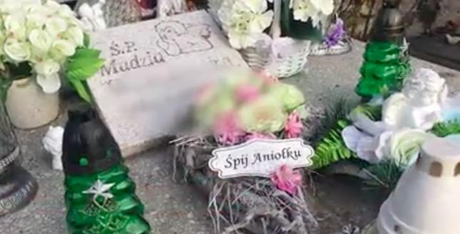 grób małej Madzi z Sosnowca