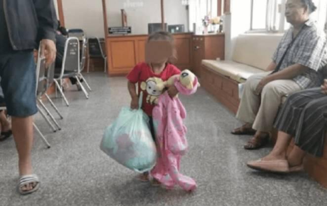 oddanie dziecka do pomocy społecznej