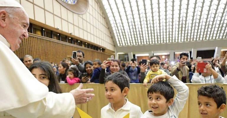Papież bicie kobiet i dzieci