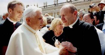 Benedykt-XVI-jest-ciężko-chory
