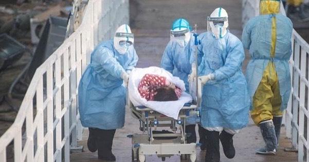 Liczba zgonów z powodu koronawirusa wzrasta