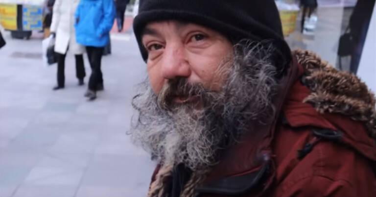 metamorfoza bezdomnego mężczyzny