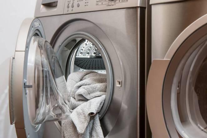 Matka wrzuciła noworodka do pralki