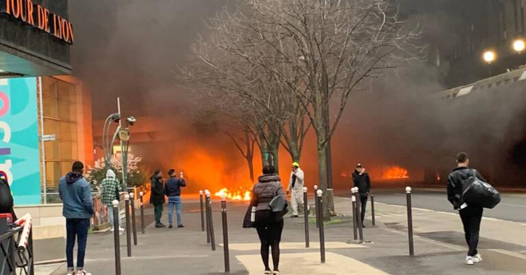 zamieszki w Paryżu 2
