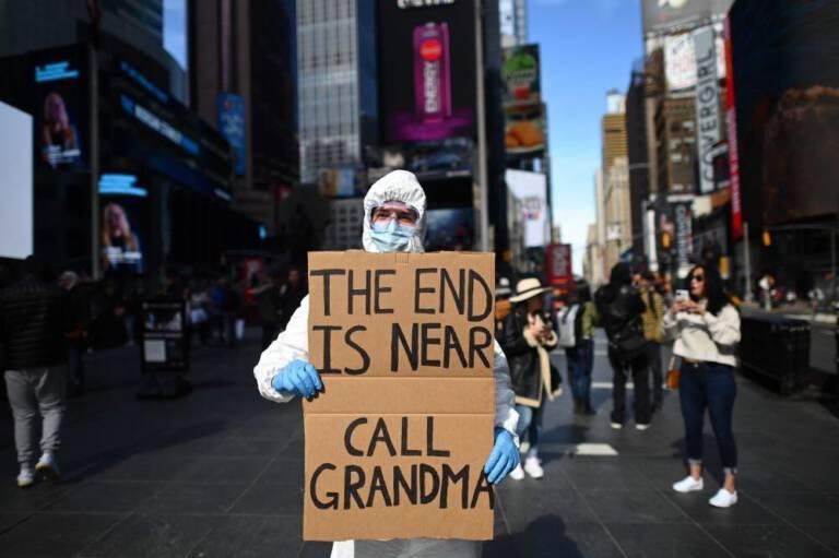 13 elektryzujących zdjęć z walki ludzkości z epidemią