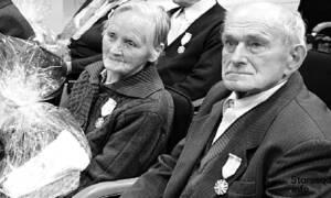 Byli małżeństwem przez 67 lat. Gdy jedno z nich zmarło, drugie odeszło 15 minut później