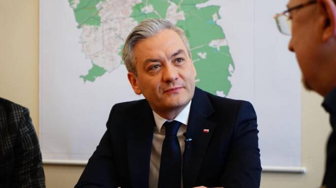 Robert Biedroń oskarża Dudę