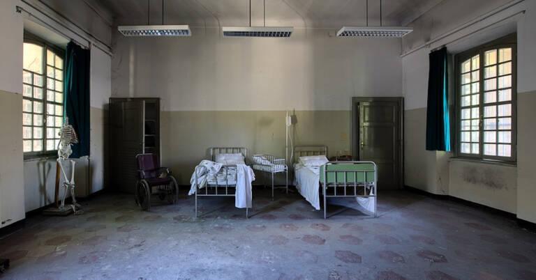ewakuacja pacjentów ze szpitala w Racibórzu