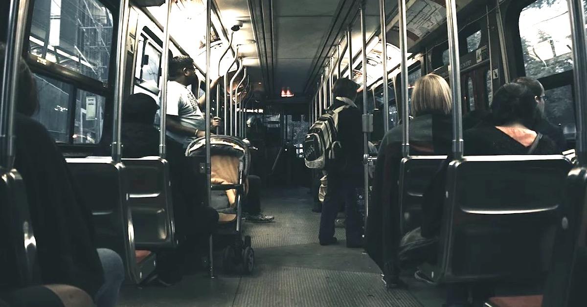 gwałt w szkolnym autobusie