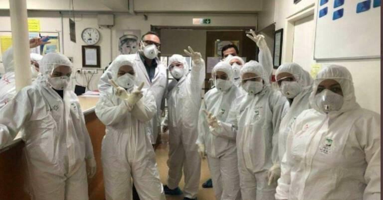 wypuszczono więźniów z powodu koronawirusa