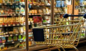Zakupy w czasie epidemii koronawirusa. Jak je robić, aby się nie zarazić?