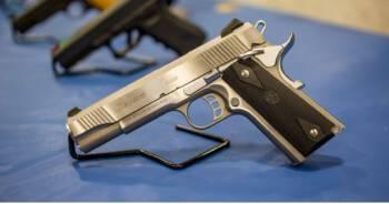 Amerykanie masowo kupują broń