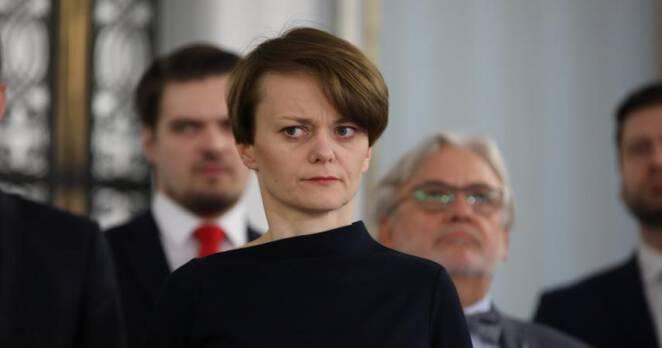Emilewicz o powrocie dzieci do szkół